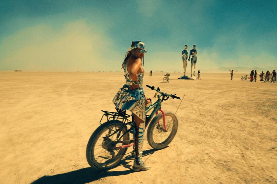 «Иногда я действую сердцем, а не разумом»: певица Masha о свежем клипе