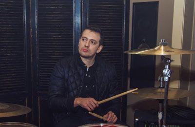 Саша Махов выпустил клип «Музыка дождливого дня»